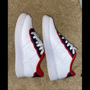 Size 7 women's mike Air Force